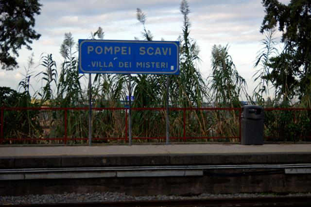 Pompeii train station