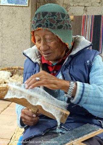 Miguel Andrango backstrap weaving carding Otavalo Ecuador