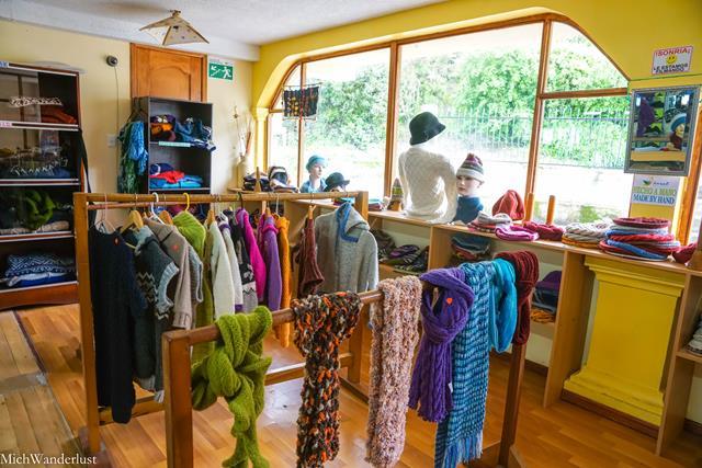 Textiles, Salinas de Guaranda, Ecuador